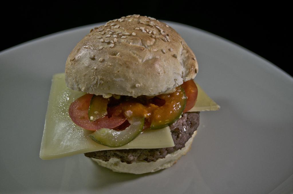 Cheeseburger - happy Cheese