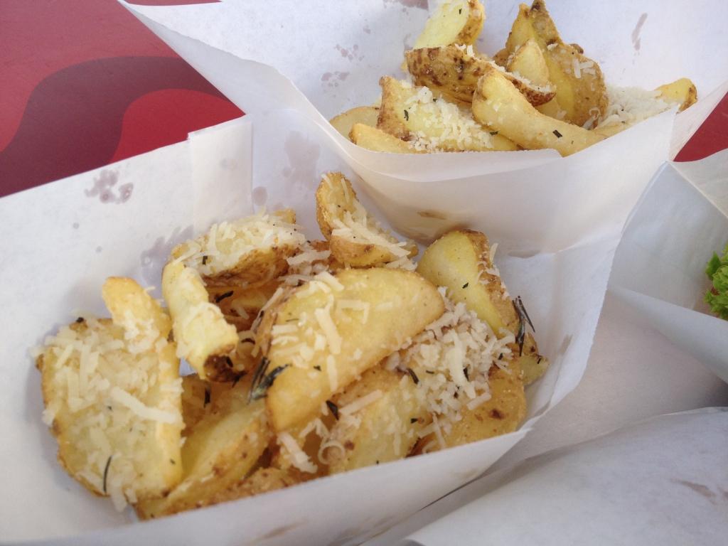 Italian dipper fries mit frischem Parmesan und Rosmarin