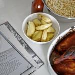 """Rezension: Die Stadt kocht. Berlin - Der Sommer & Rezept """"BBQ - Chicken mit Ofenkartoffeln und Cole Slaw"""""""