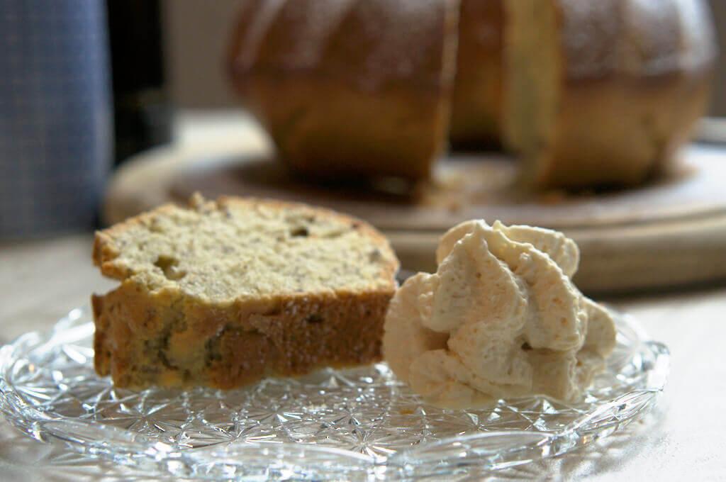 Marzipan - Leinsamen - Gugelhupf mit Salted Caramel Sahne 4