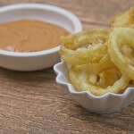 Onion Rings frittiert mit Dip