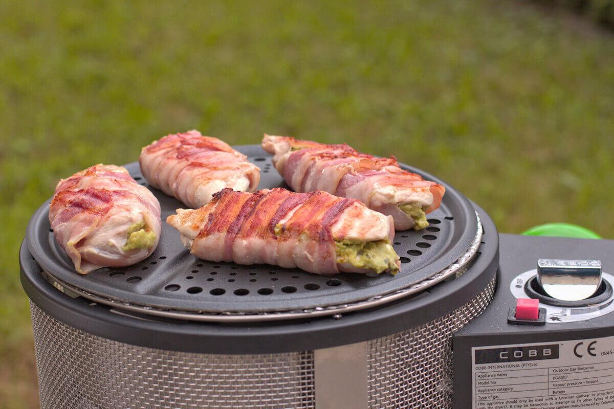 Hähnchenbrust mit Guacamole vom Grill