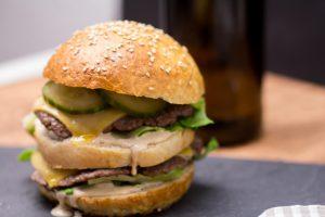 Rezept für einen Burger der wie ein Big Mac aussieht - Big Mac Sauce