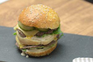 Rezept fuer Burger der aussieht wie ein Big Mac_