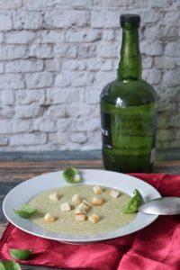 Rosenkohlsuppe mit Croutons