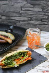 Hot Dog im Banh Mi Style mit Grillido BBQ Wurst