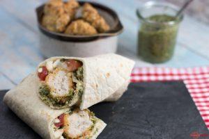 Mediterraner Wrap mit Chcken Nuggets aus dem Ofen und selbstgemachtem Pesto