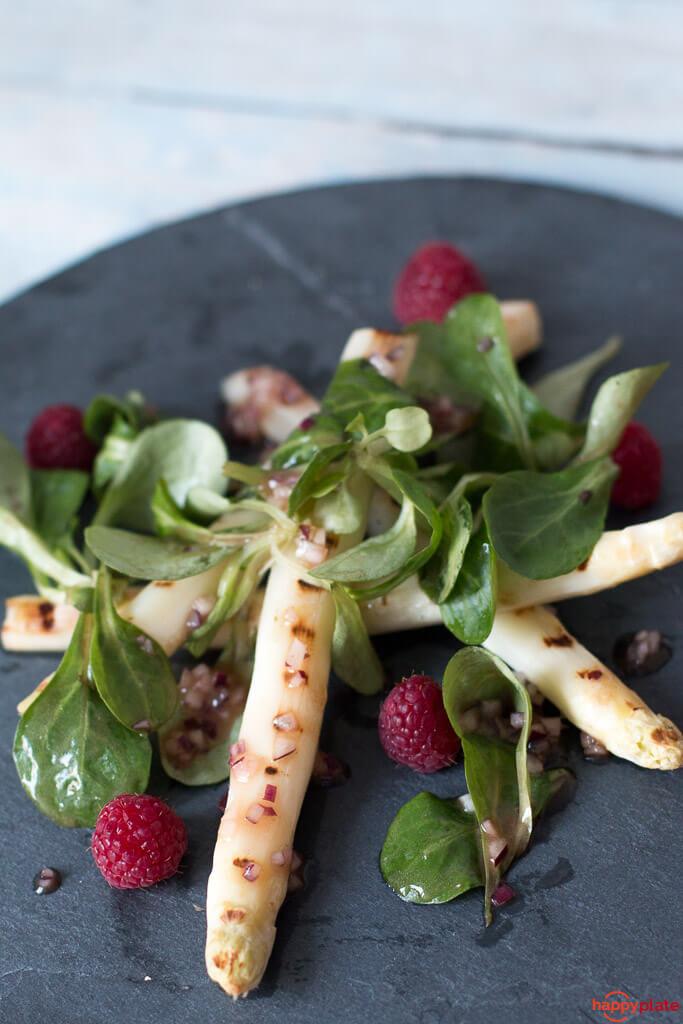 gegrillter wei er spargel salat mit himbeeren happy plate. Black Bedroom Furniture Sets. Home Design Ideas