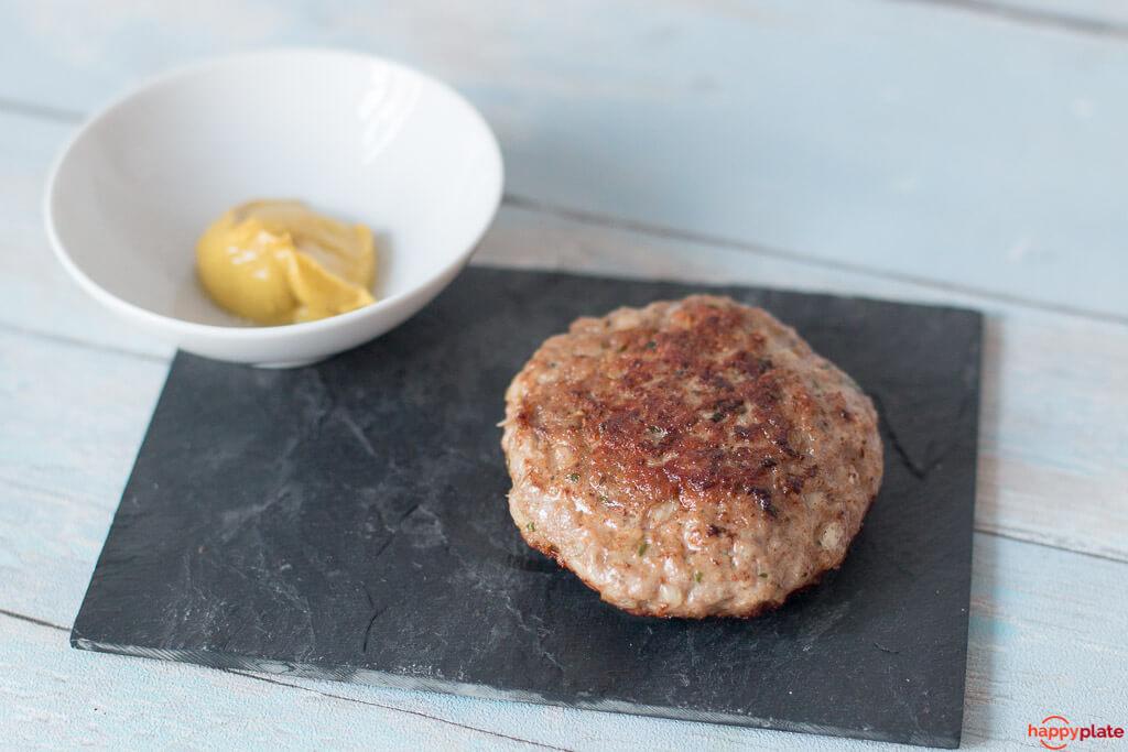 Die perfekte Frikadelle mit Kalbsfleisch und Senf