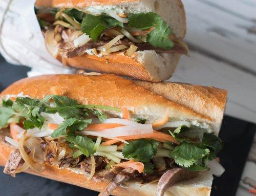 Vietnamesisches Sandwich Banh Mi mit Rind