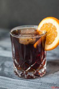 Gin Tonic mit Cold Brew Kaffee und Orange