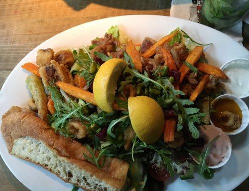 Ein Salat im Attentat Griechischer Salat, München