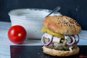 Burgerm it Feta und Tsatsiki
