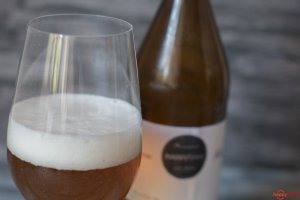 Selbstgebrautes BLonde Bier mit Pale Ale