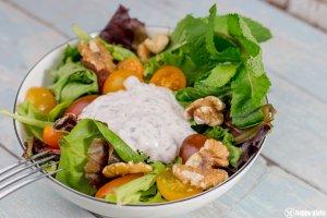 Kleiner Beilagensalat zum Burger