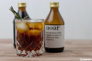 Aquavit Martini mit noar Cold Brew