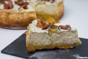Ein Stueck Deftiger Jalapeno Cheesecake mit Bacon