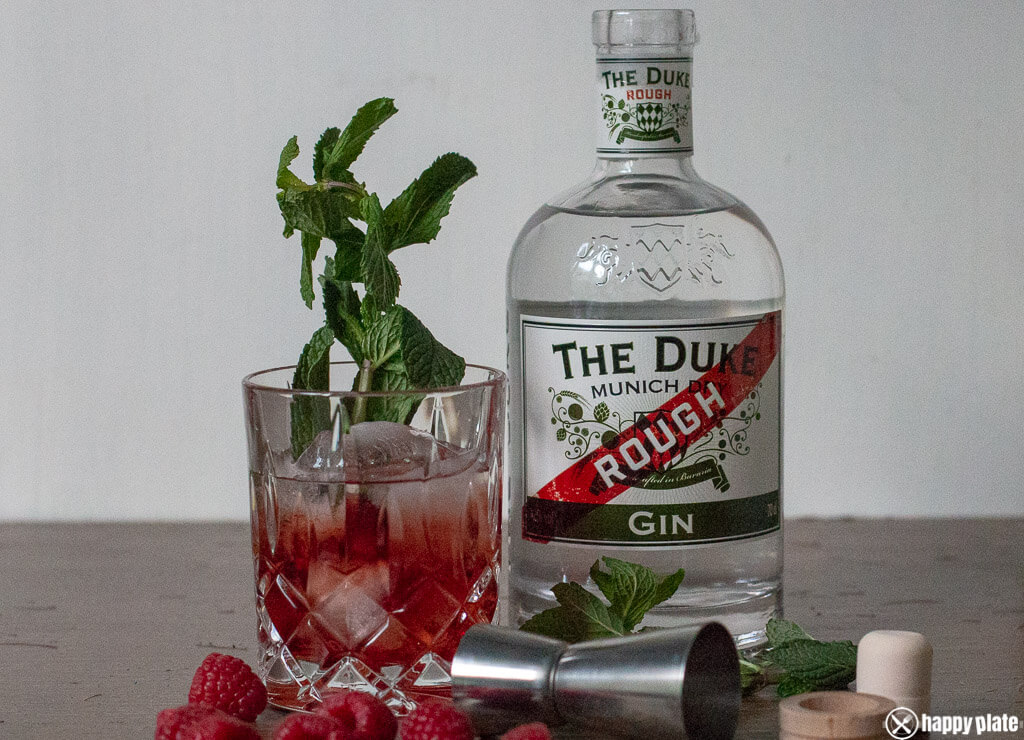 The duke Rough Gin als Longdrink mit Himbeere
