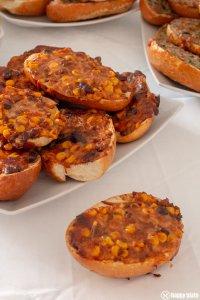 Pizzabroetchen mit Hackfleisch und Chili Con Carne_