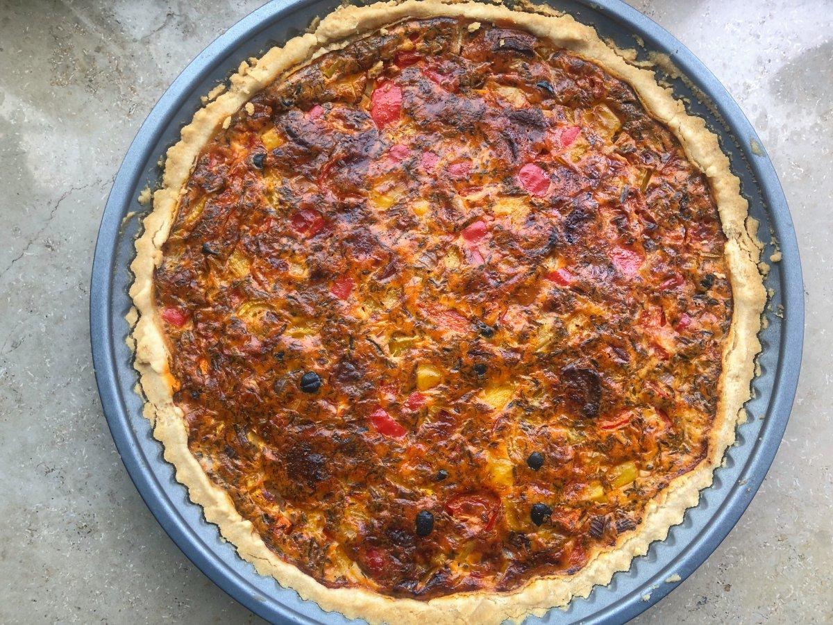 elbstgemachte Quiche mit Chorizo und Paprika