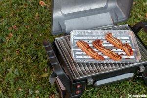 Grill2go von Char Broil tragbarer Grill mit Gas mit chinesischem Barbecue Bauch_
