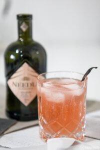 Needle Gin Rharbarbar Gin Tonic_