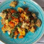 Vegetarisches Groestl mit Salsa und karamelisierten Moehren