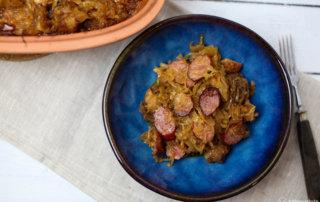 Selbstgemachtes Bigos mit Wurst und Schweinebauch