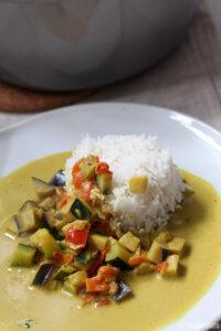 Veganes Gemüse Curry mit Kokoksmilch_