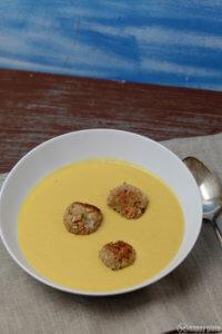 Maissuppe mit Garnelenbaellchen