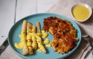 Schwarzwurzel mit veganer Sauce Hollandaise und Kartoffelplaetzchen