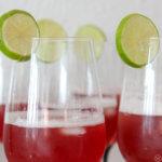 rote sause ein Cocktail mit bier