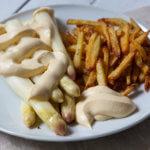Spargel sous - vide gegart mit KArtoffelmayonnaise und Pommes