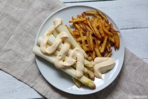 Spargel sous - vide mit KArtoffelmayonnaise und Pommes